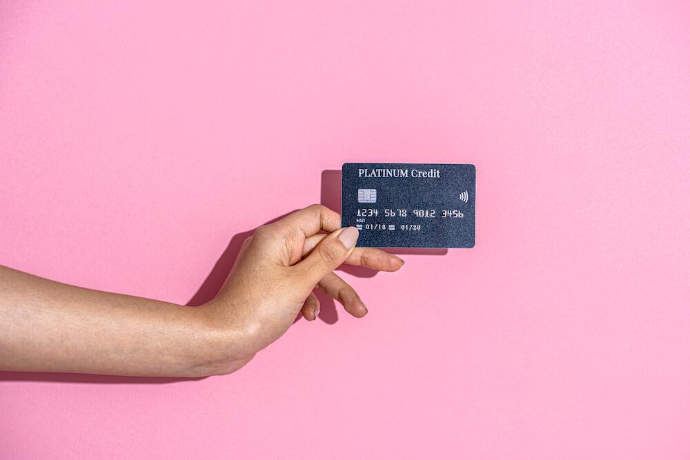 海外移住する人におすすめのクレジット&デビットカード4選。保険と使いやすさで厳選しました